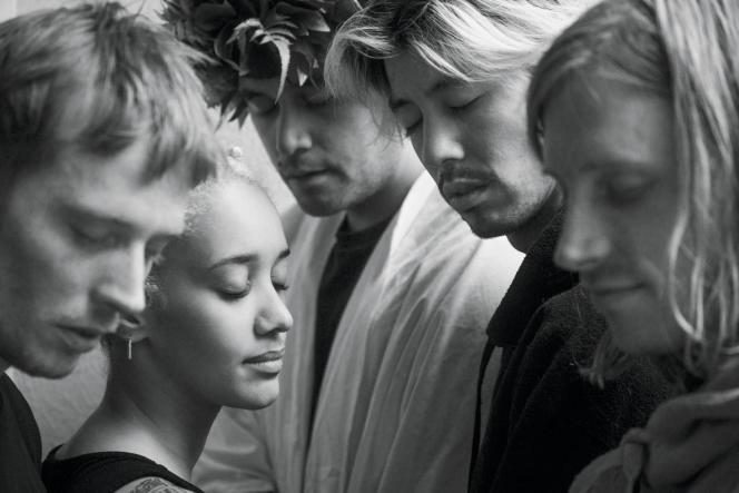 Les membres du quintette Quinzequinze (de gauche à droite, Robin Morisse Mac Lean, Julia Dell'Angelo, Ennio Neagle, Tsi Min Siu, et Marvin Morisse Mac Lean), en septembre 2020.