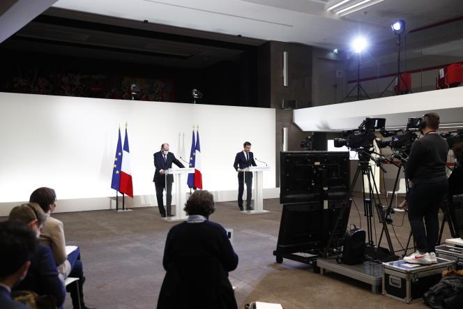 Le premier ministre, Jean Castex, et le ministre de la santé, Olivier Véran, au cours de leur conférence de presse commune, le jeudi 7janvier, à Paris.