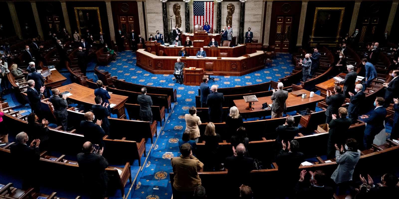 Etats-Unis : le Congrès reprend sa séance de certification de la victoire  de Joe Biden