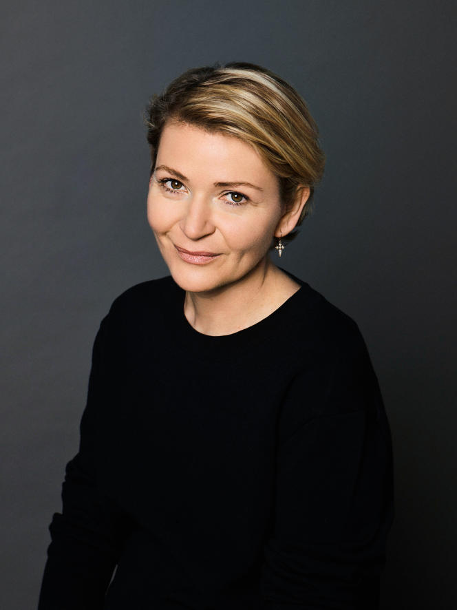Delphine Courteille, directrice de salons de coiffure.