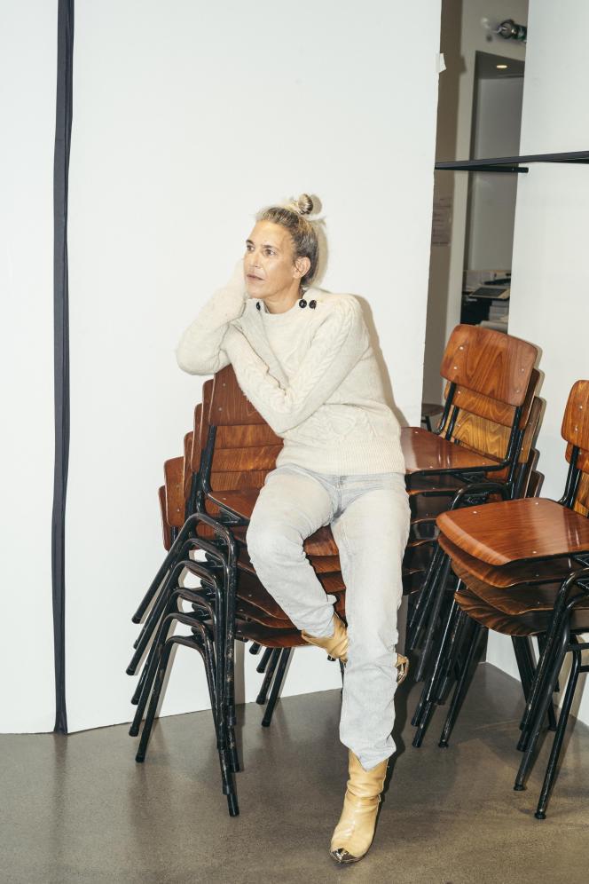 Isabel Marant, dans ses bureaux de la place des Victoires, à Paris, en décembre 2020.