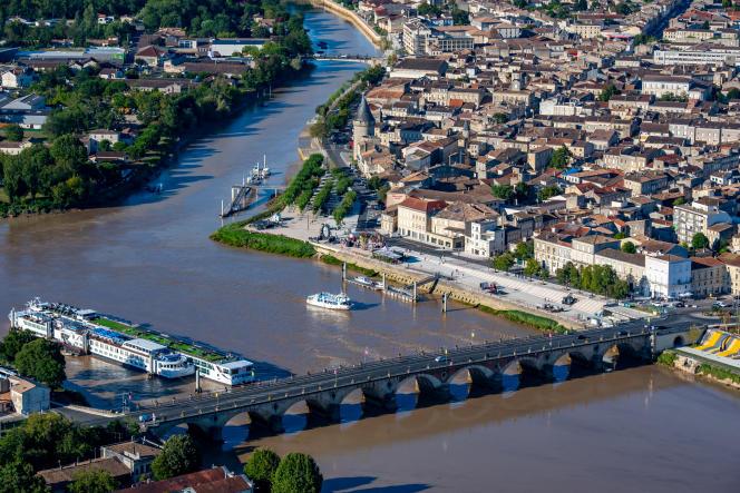 Libourne se trouve à la confluence de la Dordogne et de l'Isle.