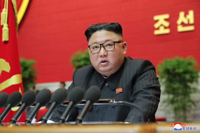 Kim Jong-un à la huitième convention du parti au pouvoir.