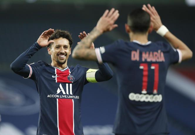 Le joueur du PSG Marquinhos se réjouit du but marqué par Moise Kean, samedi 9janvier.