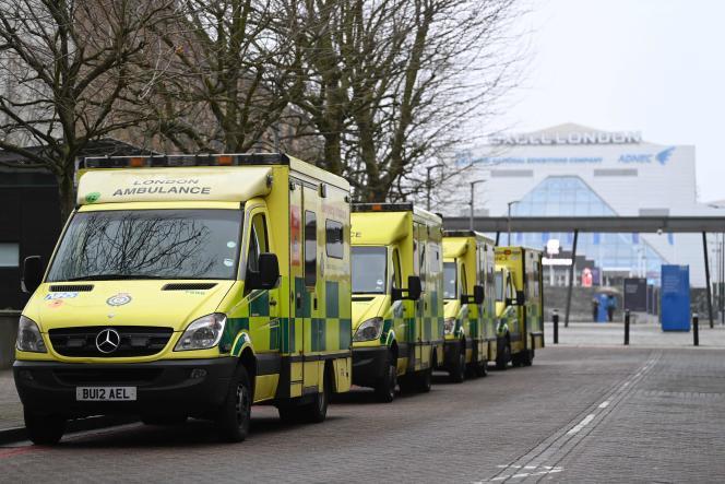 «Le NHS est actuellement confronté à la plus dangereuse situation dont on puisse se souvenir», a alerté dans le «Sunday Times» Chris Whitty, médecin-chef pour l'Angleterre.