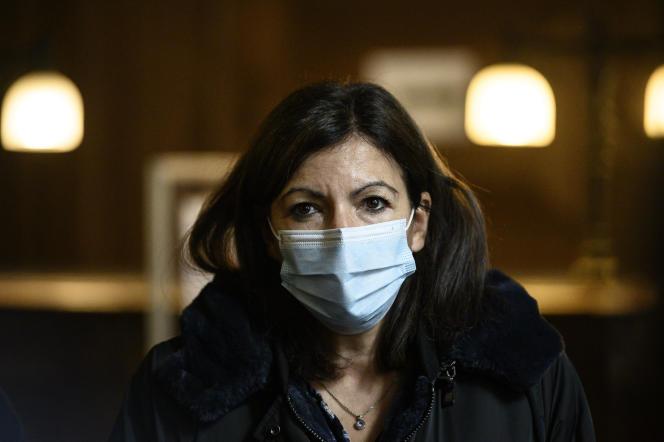 La maire de Paris, Anne Hidalgo, le 15 octobre 2020 à Paris.