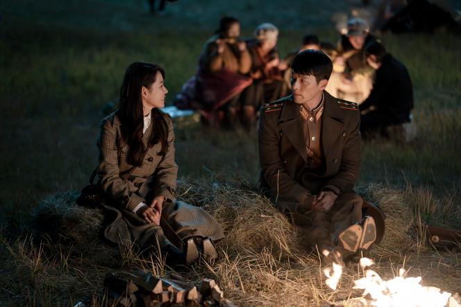 Son Ye-jin et Hyun Bin, dans la série sud-coréenne «Crash Landing on You», deLee Jung-Hyo.