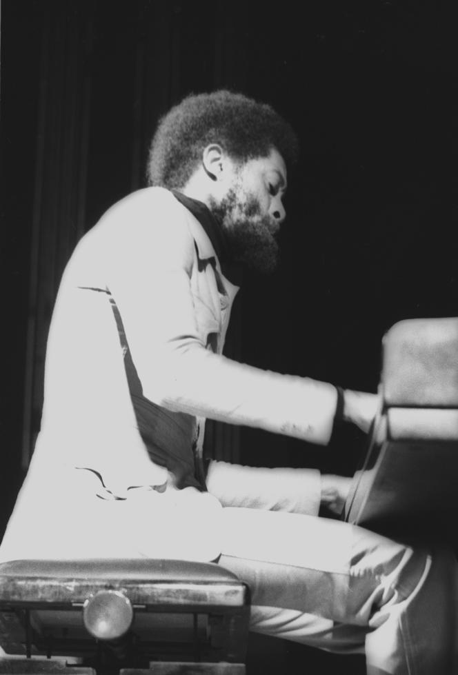 Le pianiste Bobby Few, en 1975, à Massy (Essonne).
