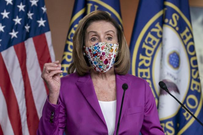 La présidente de la Chambre des représentants, Nancy Pelosi, en conférence de presse au Capitole, le 7 janvier à Washington, DC.