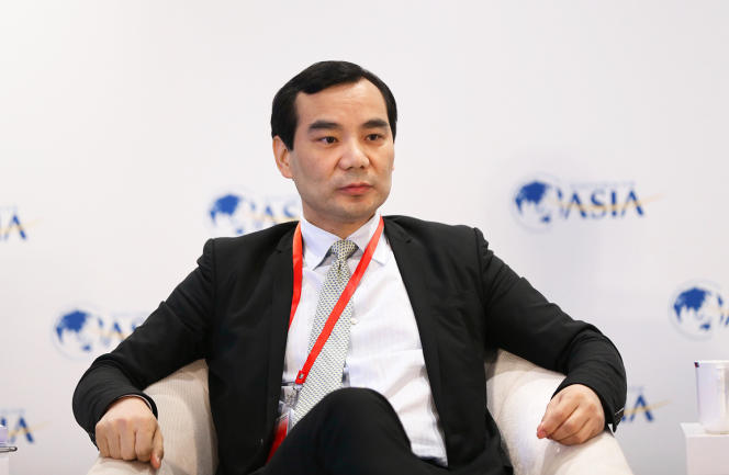 رئیس سابق سومین شرکت بزرگ بیمه چین ، وو شیائوئی (26 مارس 2017 در بوآو ، استان هاینان) در سال 2018 به جرم کلاهبرداری به هجده سال زندان محکوم شد.