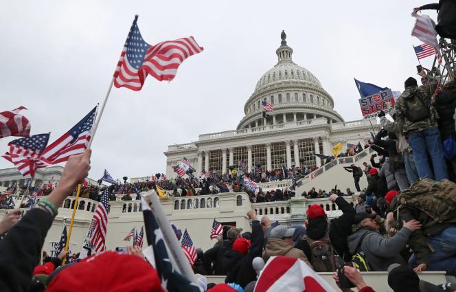 Devant le Capitole, le 6 janvier à Washington, DC.