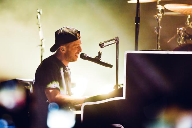 Ryan Tedder en concert à Pioneertown (Californie), en novembre 2019.