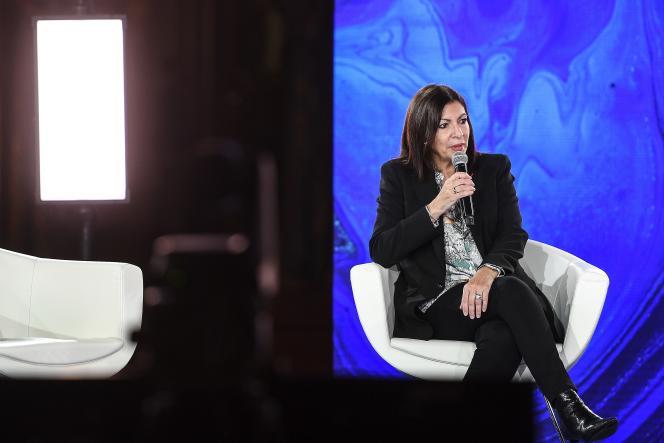 Anne Hidalgo, lors d'une conférence sur le climat, à l'Hôtel de ville de Paris, le 11 décembre 2020.