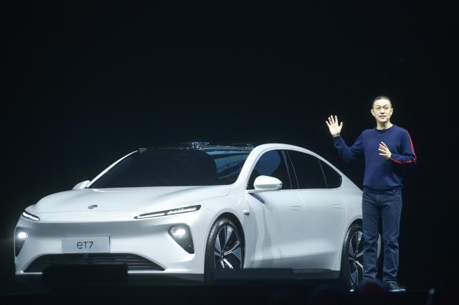William Li, CEO of Nio, presents the ET7 model in Chengdu on January 9.