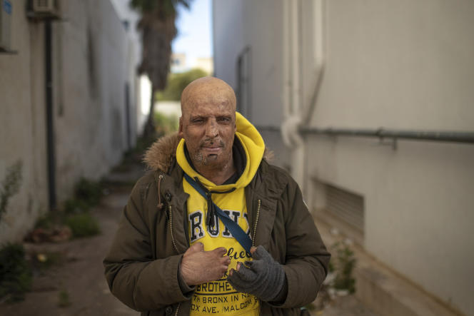 Hosni Kalaeyah, 49 (here in Tunis, January 12, 2021), set himself on fire during a demonstration in 2011.