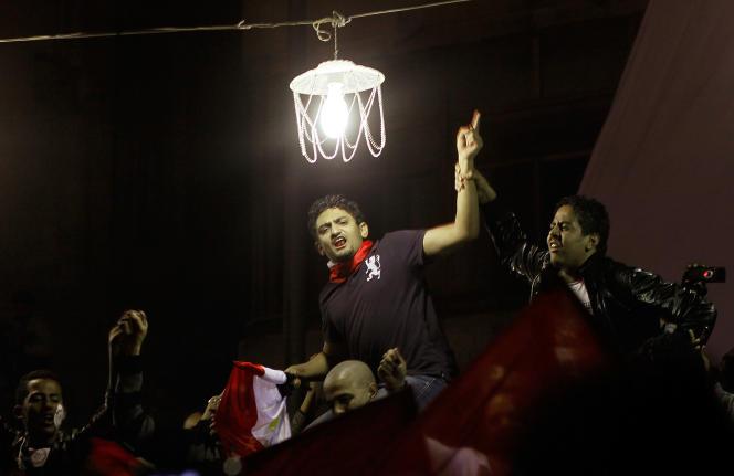 وائل گونیم ، فعال مصری ، سپس مدیر بازاریابی Google ، میدان تحریر ، قاهره ، 11 فوریه 2011.