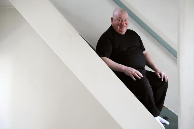 Claude Lévêque, à son domicile, à Montreuil (Seine-Saint-Denis), le 27 mars 2009.