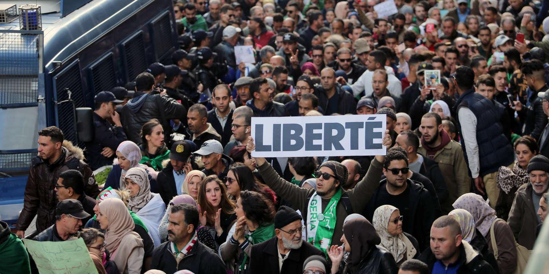 En Algérie, le «ravalement de façade» politique n'a pas suffi