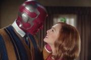 Vision (Paul Bettany) et Wanda (Elizabeth Olsen) dans «WandaVision» (2020).