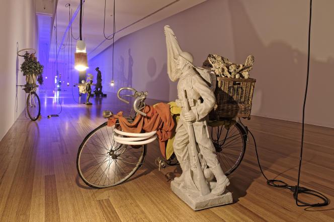 Exposition «No Room for Regrets» deJohan Muyle au MACS à Mons (Belgique).
