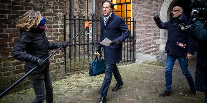 Le premier ministre des Pays-Bas, Mark Rutte, se résout à la démission,  deux mois avant les législatives