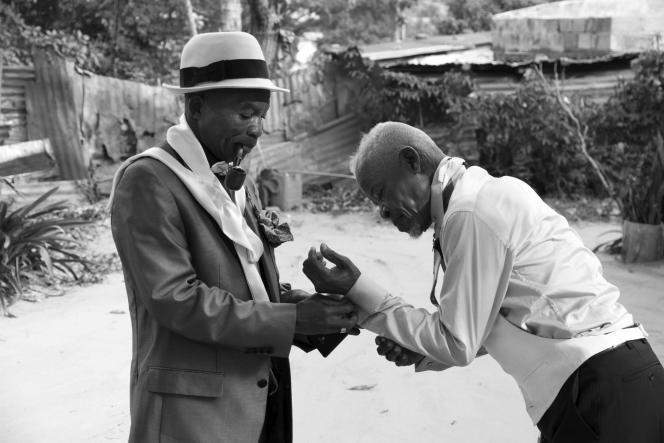 Séverin Mouyengo (gauche) avec Lamam, à Brazzaville, en septembre 2018.