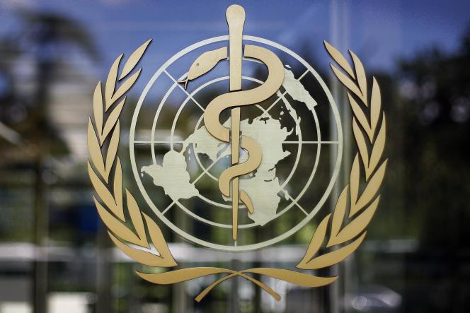 Le logo de l'Organisation mondiale de la santé à son siège genevois, en Suisse.