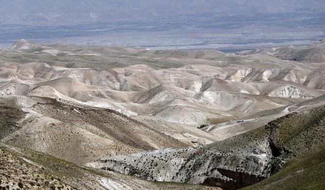 Les montagnes du désert de Judée vues depuis la rive ouest de Jéricho, mars 2016.