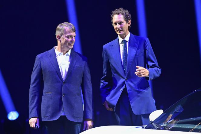 Le directeur général de FCA, Michael Manley, et le président du groupe, John Elkann, le 9 septembre 2020.