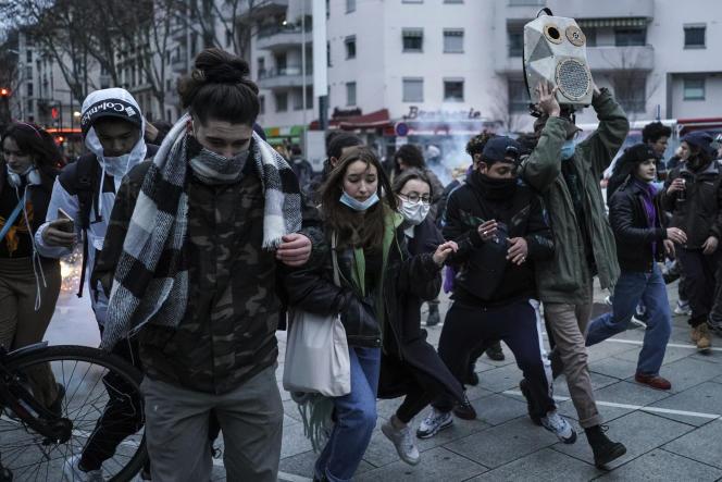 Rassemblement pour protester contre la proposition de loi « sécurité globale », à Lyon, le16janvier.