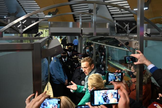 Alexeï Navalny lors de son arrestation à l'aéroport de Cheremetievo à Moscou, le 17 janvier 2021.