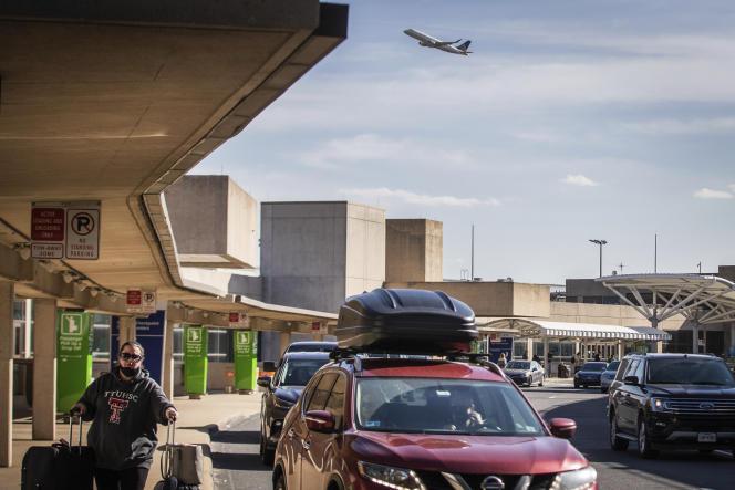 در فرودگاه بین المللی دالاس-فورت ورث در تگزاس ، 23 دسامبر.