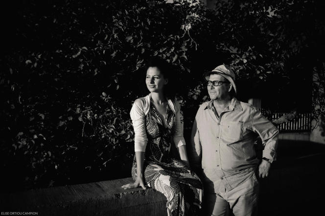 Dorothée Myriam Kellou et son père, Malek Kellou, auFestival du film documentaire d'Agadir, au Maroc.