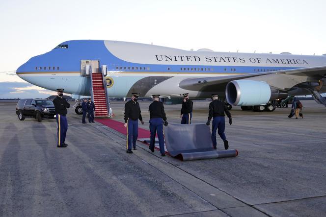 آخرین بار فرش قرمز برای دونالد ترامپ در پای Air Force One در روز چهارشنبه 20 ژانویه 2021 رونمایی شد.