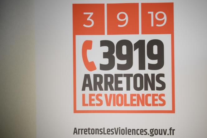 « A partir d'aujourd'hui, le 3919 est accessible 24 h/24 du lundi au vendredi », a dit lundi sur Twitter Elisabeth Moreno, rappelant que cette mesure avait été promise au moment du Grenelle contre les violences conjugales en 2019.