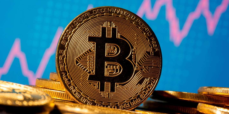 En 2021, le bitcoin continue de faire tourner les têtes - Le Monde