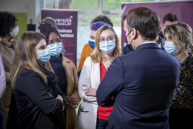 Le président de la République rencontre des étudiants à l'université de Paris-Saclay, jeudi 21 janvier.