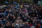 Des manifestants contre les mesures restrictives liées au Covid-19 à Madrid, le 23 janvier.