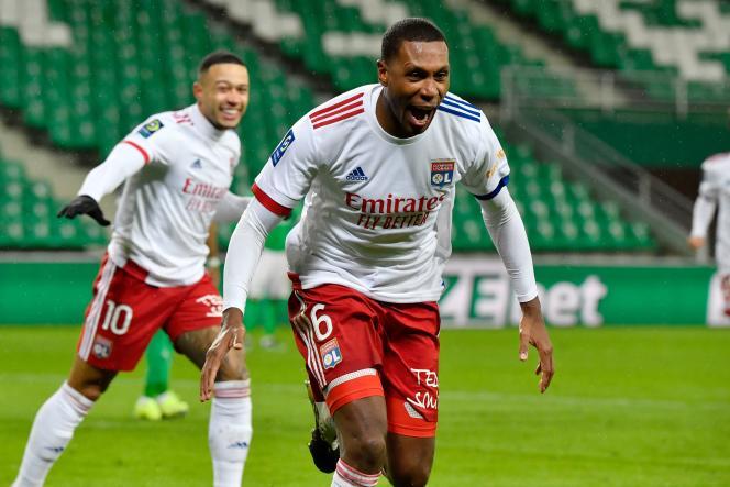 Le défenseur de Lyon Marcelo a marqué un doublé contre Saint-Etienne.