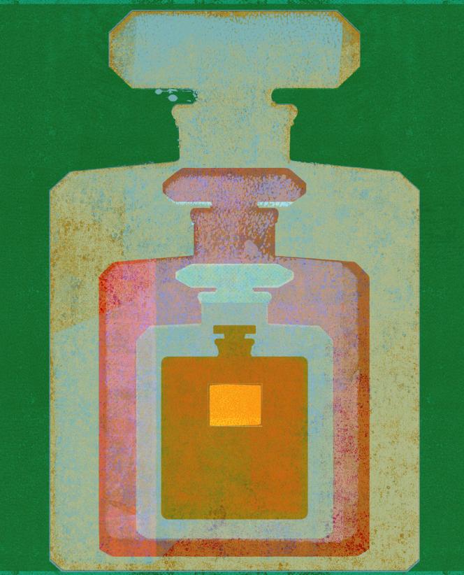 Différentes versions du flacon de parfum Chanel N°5, de sa création en 1921 à nos jours.