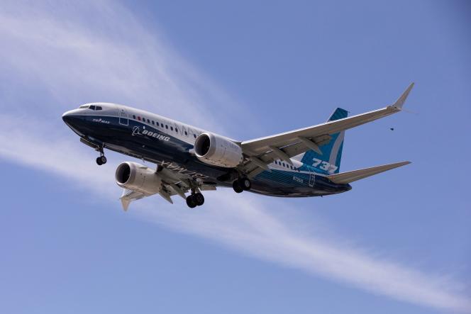Boeing 737 MAX mendarat setelah uji terbang di Seattle (barat laut Amerika Serikat), 29 Juni 2020.