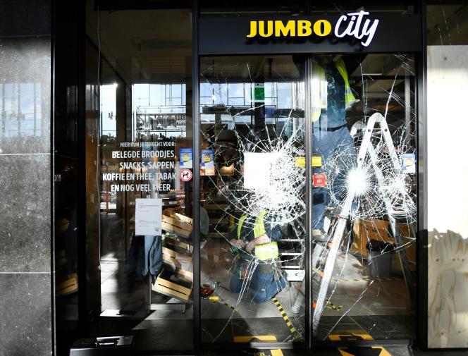 Netherlands in shock after weekend of violent protests against unprecedented curfew