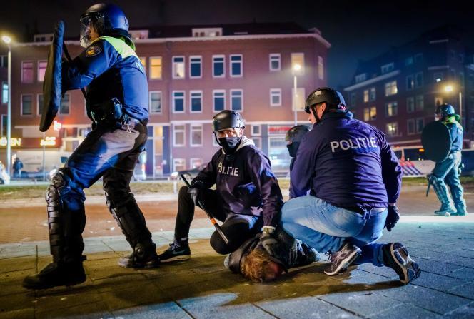 یک معترض در تاریخ 25 ژانویه در روتردام دستگیر شد.