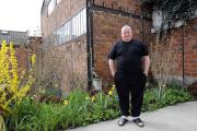 L'artiste français Claude Lévêque, le 27 mars 2009, à son domicile à Montreuil (Seine-Saint-Denis).