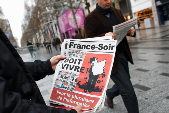 Lors de la grève de 2011, contre la décision d'arrêter la version imprimée de « France-Soir».