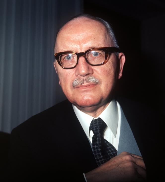 Le philosophe allemand Arnold Gehlen, dans les années 1970.