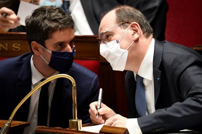 Le porte-parole du gouvernement, Gabriel Attal, et le premier ministre, Jean Castex, à l'Assemblée nationale, le 26janvier.