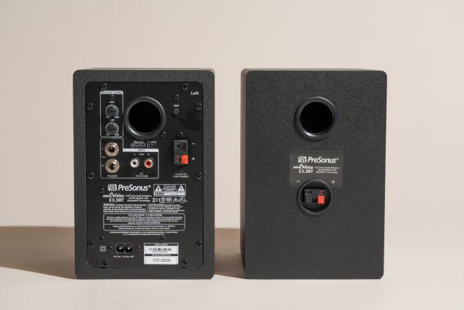 En plus des entrées symétriques TRS 6,35 mm et RCA, l'ensemble Eris E3.5 BT dispose de commandes de graves et d'aigus qui permettent à l'auditeur d'affiner le son.