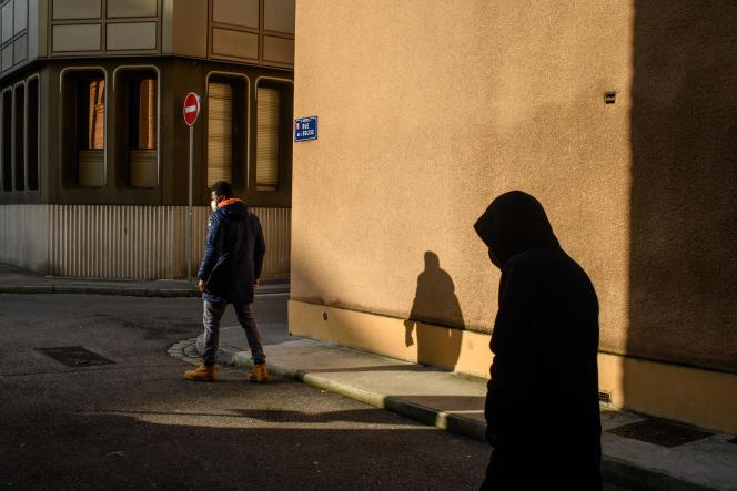 Dans le centre-ville de Givors (Rhône), le 19 janvier.