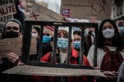Des étudiants manifestent à Lyon, le 26 janvier.